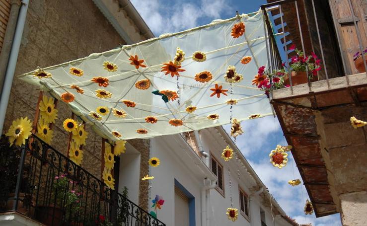 Aras de los Olmos, un pueblo valenciano repleto de flores