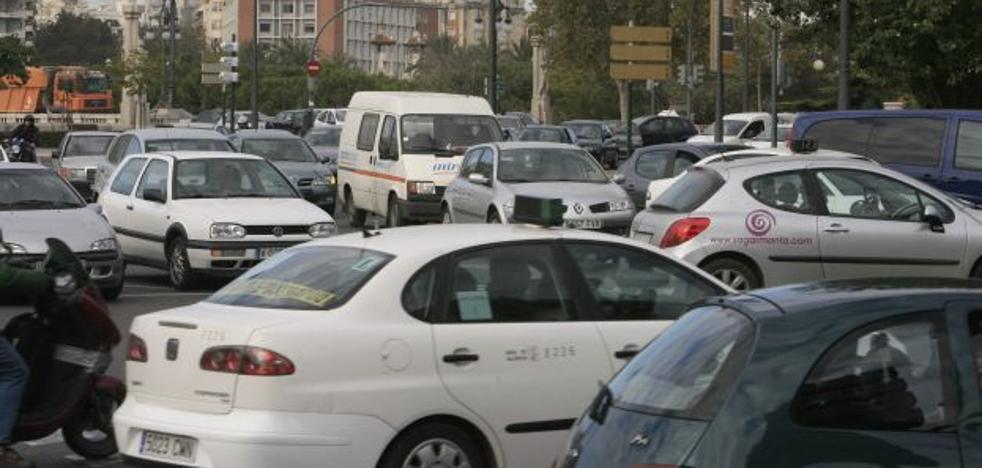 Un taxista que da positivo en cocaína atropella a tres estudiantes en Valencia
