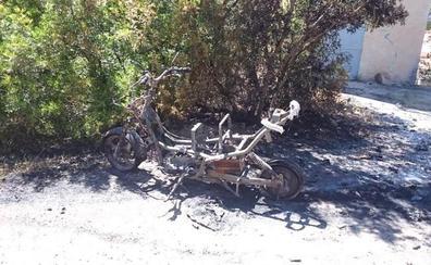 El incendio de una moto eléctrica calcina 600 metros de masa forestal cerca del Montgó