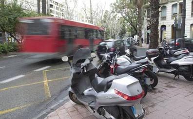 ENCUESTA   ¿Es necesario limitar más la circulación de motos en Valencia?