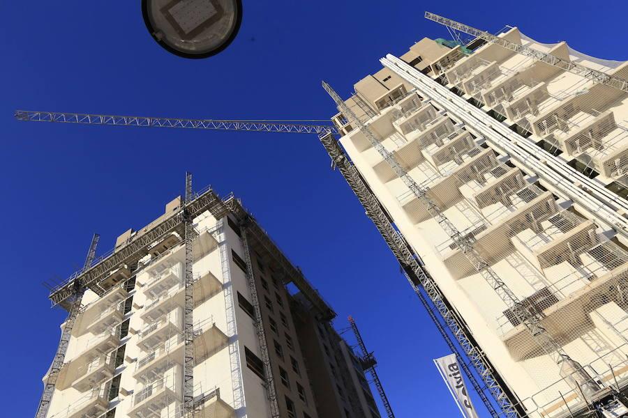 Sabadell valora las ofertas de Cerberus y Oaktree por su promotora y todo su negocio