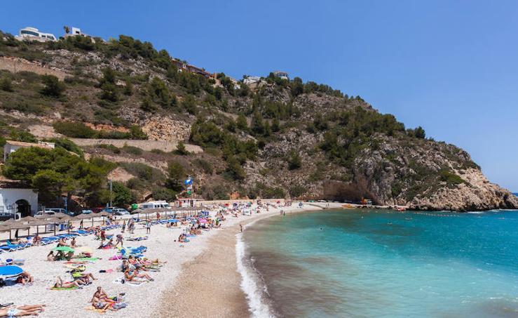 Las 17 playas de roca más espectaculares de la Comunitat