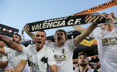 El Betis se suma a la búsqueda de una mítica bufanda valencianista