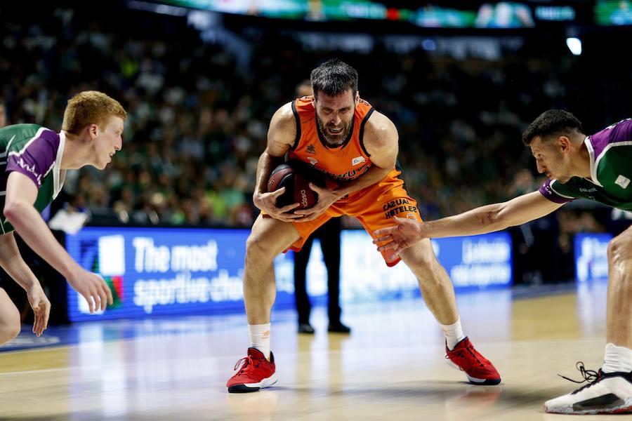 El Unicaja-Valencia Basket en imágenes