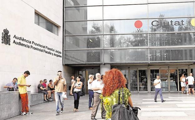 Un arquitecto y dos constructores aceptan pagar 100.000 euros por una estafa en la edificación de 42 viviendas