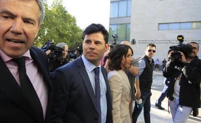 El juicio de paternidad a Julio Iglesias continúa pese al rechazo de la prueba de ADN