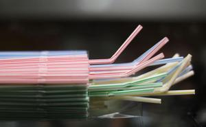 Los españoles usan 13 millones de pajitas de plástico al día