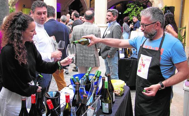 Siete cooperativas presentan sus productos en Coopera VinoSelección
