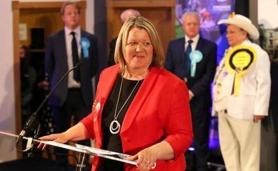 El largo adiós de Theresa May comienza con una victoria laborista