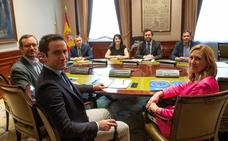 Vox anuncia un acuerdo con el PP para gobernar en las localidades donde juntos suman mayoría