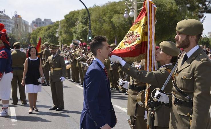 Más de mil valencianos juran bandera en la Alameda. 2019