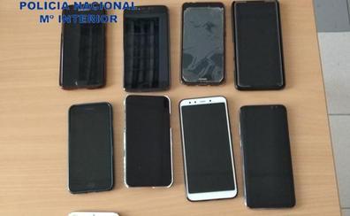 Roban 13 móviles y tres carteras en una discoteca en Valencia