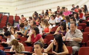 Educación aumenta los tribunales de las oposiciones tras las quejas del año pasado