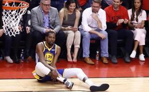 Vídeo: Kevin Durant se lesiona el tendón de Aquiles y ensombrece la victoria de los Warriors en Toronto