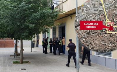 Hallan acuchillada a una mujer embarazada en su casa en Xàtiva