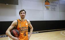 Vives: «Quiero seguir jugando, aprendiendo y luchando por títulos en Valencia»