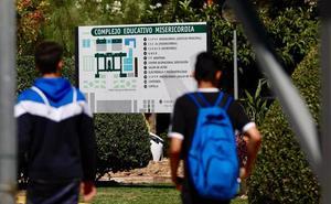 Los compañeros de clase lanzaron sillas y persiguieron al joven que acuchilló a su profesora por las notas en un instituto de Valencia