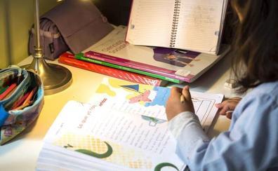 El plurilingüismo y el desgaste duplican el gasto público en los libros de texto en la Comunitat Valenciana