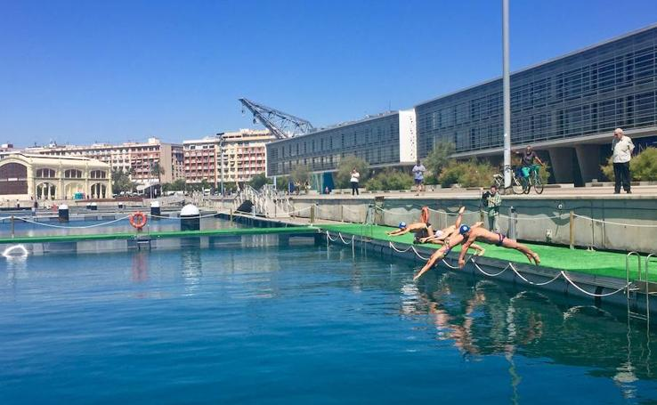 La piscina natural de La Marina de Valencia abre sus puertas al público