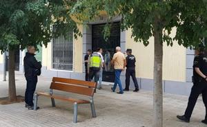 Descartan el ajuste de cuentas e investigan el entorno de la víctima de Xàtiva
