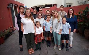 El carné de familia numerosa acumula cinco meses de demora y atasca las ayudas
