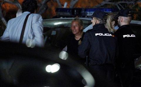 LA VIUDA NEGRA, EN EL LUGAR DEL CRIMEN