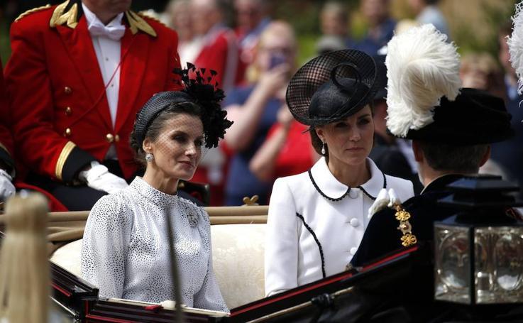 La reina Letizia deslumbra en la investidura de Felipe VI como Caballero de la Orden de la Jarretera