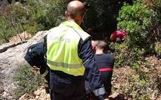 Rescatan a una mujer herida en un tobillo al caerse en la senda de la Sierra d'Oltà