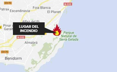 Incendio en el Parque Natural de Serra Gelada próximo a Aqualandia en Benidorm