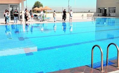 La nueva piscina descubierta de Sueca ya se encuentra operativa
