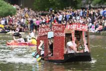 La loca fiesta de fin de curso de los estudiantes de Cambridge