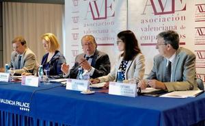 Un informe de AVE alerta del número de repetidores, el alto abandono escolar y la falta de idiomas
