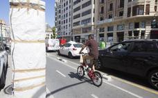 Turistas y patinetes disparan la intensidad en los carriles bici de Valencia