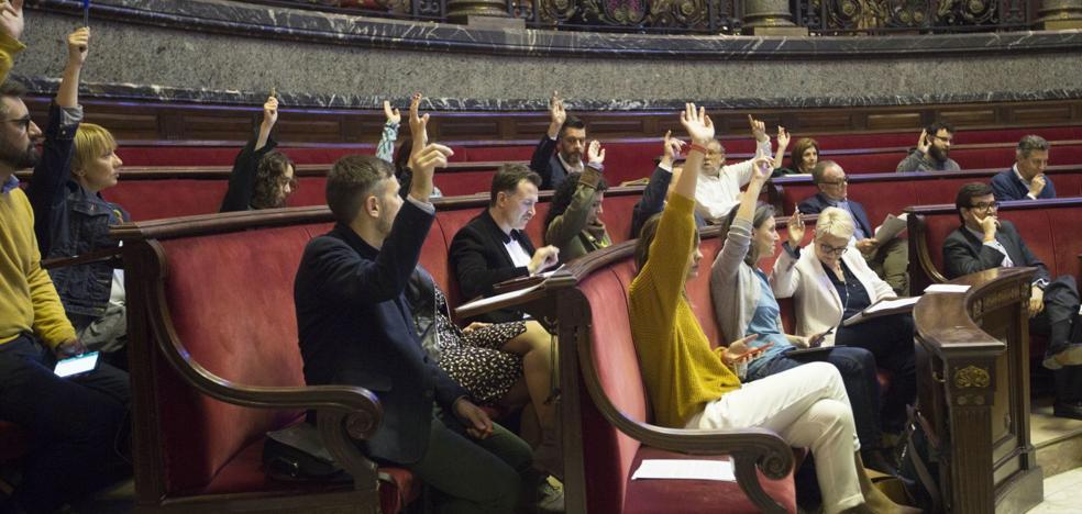 Joan Ribó incumple la recomendación del Consell de publicar actas en castellano