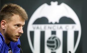 El Valencia sale indemne del cambio de porteros