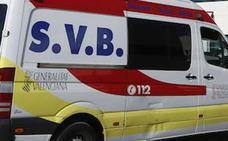 Herido grave un motorista tras chocar contra un coche en Blasco Ibáñez