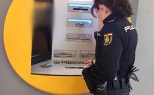 Detenida en Valencia por usar la tarjeta de una amiga y retirar 2.700 euros en efectivo del banco