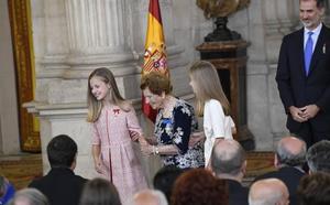 La Familia Real se vuelca con Clotilde, la voluntaria valenciana de 107 años