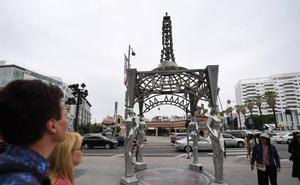 Roban la estatua de Marilyn Monroe en el Paseo de la Fama de Hollywood