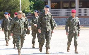 El Rey supervisa en Bétera el mayor ejercicio de Policía Militar de la OTAN