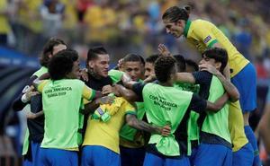 Brasil golea y Perú teme por su clasificación