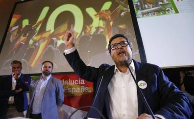 Vox marca distancias con su líder en Andalucía