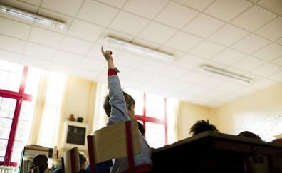 Ocho de cada diez colegios con doble línea relegan el castellano