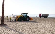 Cullera reduce un 50% el vidrio en las playas en la noche de San Juan