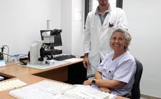Dos profesionales del Hospital prueban una técnica contra el cáncer de mama