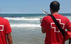 Muere un turista de 79 años en una playa de Torrevieja