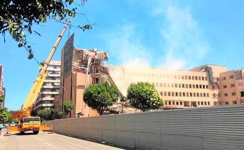 Una trituradora de piedra en el viejo hospital evitará 12.000 camiones por Roís de Corella