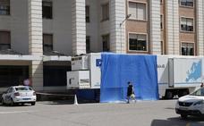 El Hospital General comienza a realizar pruebas TAC en un camión en el exterior