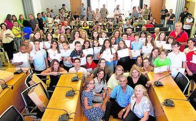 27 alumnos reciben un galardón por su rendimiento académico