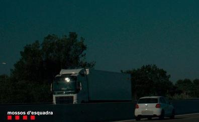 Detenido un conductor por circular sin carné a casi 200 km/h por la AP-7 en Salou